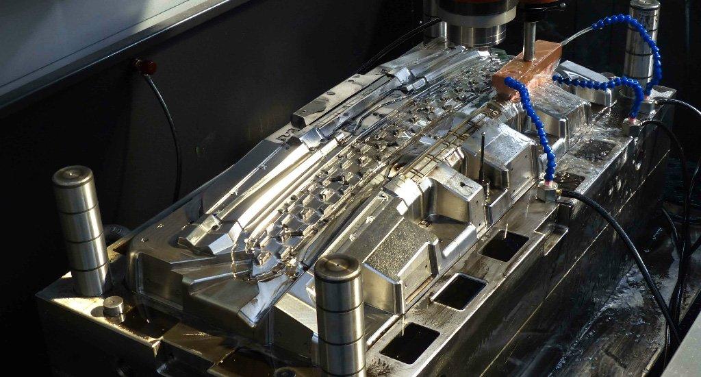 molding maker